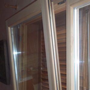 PVC und Holzfenster