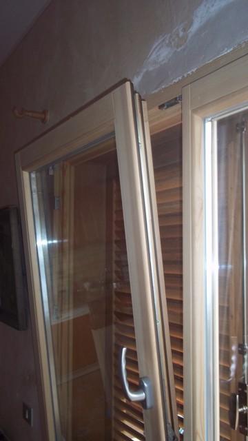 PVC und Holzfernster